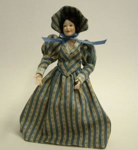Heidi Ott Dolls House Doll, Lady Wearing a Blue/Beige Dress (X042)