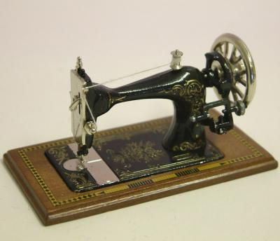 Dolls House Miniature Walnut Table Sewing Machine (XY200W)