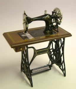 Dolls House Miniature Walnut Treadle Sewing Machine (XY201W)
