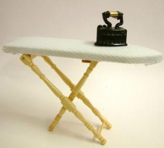 Dolls House Miniature Pine Ironing Board (XY204P)
