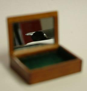 Dolls House Miniature Cherry Jewellery Box (XY602C)
