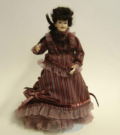 Heidi Ott Dolls House Doll, Lady in Mulberry Dress (X051)