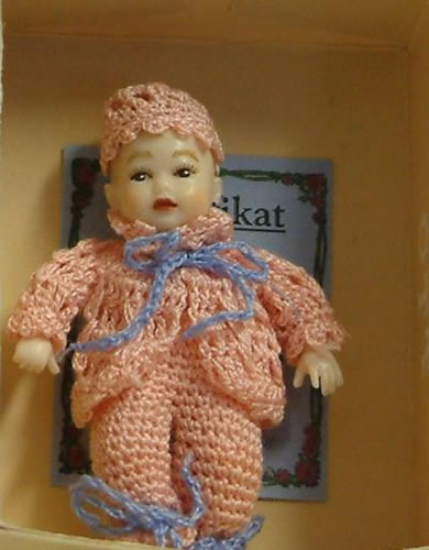 Heidi Ott Dolls House Doll, Baby Girl in a Pink Outfit (XB038)