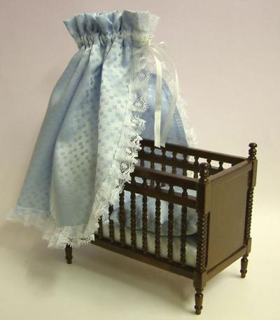 Walnut Babies Bed, Dolls House Miniature (XY104W)