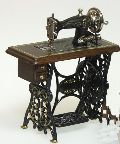 Dolls House Miniature Walnut Treadle Sewing Machine (XY208W)