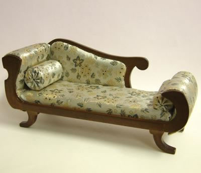 Dolls House Miniature Walnut Chaise Longue (XY503W)