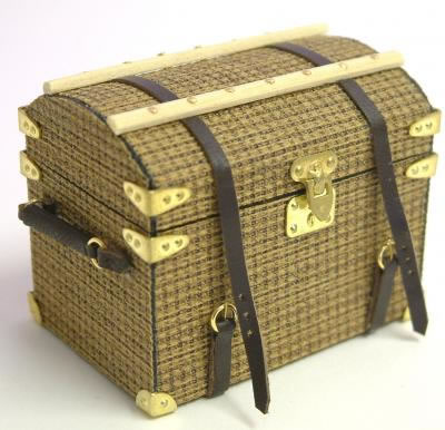 Dolls House Miniature Luggage Round Topped Trunk (XZ008)