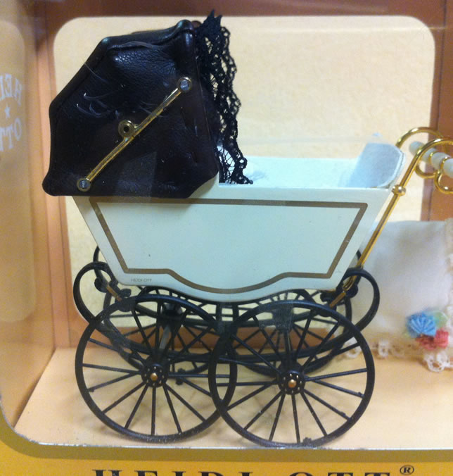 Antique Pram in Cream & Beige, Dolls House Miniature (XZ116)