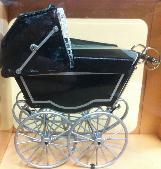 Antique Pram in Black & Silver, Dolls House Miniature (XZ118)