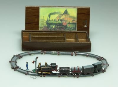 Dolls House Miniature Goods Train Set (XZ261)