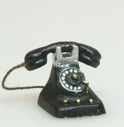 Dolls House Miniature Old Telephone (XZ283)