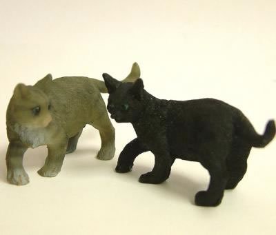 Dolls House Miniature Cats x2 (XZ562)