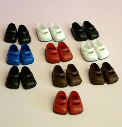 10 Pairs of Teenagers Dolls Shoes, Dolls House Miniature (XZ754)