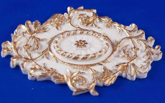 Resin Dolls House Ceiling Rose (Gilt Painted) (YCK925G)