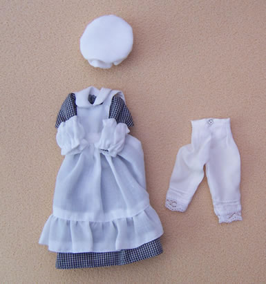 Maids Outfit, Dolls House Miniature (XZ962)