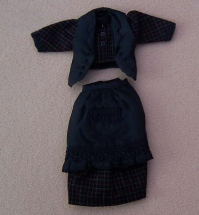 Ladies Dress, Dolls House Miniature (XZ969)