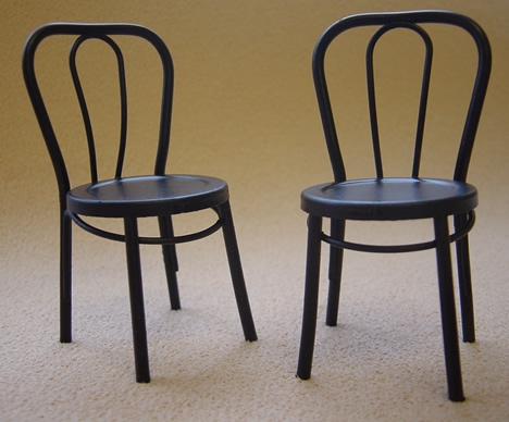 Pair of Dolls House Iron Bistro Chairs (Black) (XY781S)
