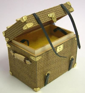 Dolls House Miniature Luggage Square Trunk (XZ007)