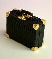 Dolls House Miniature Suitcase (XZ010)