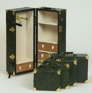 Dolls House Miniature Green Luggage Collection (XZ014)