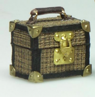 Dolls House Miniature Small Suitcase (XZ021)