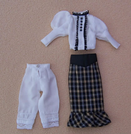 Ladies Skirt & Top, Dolls House Miniature (XZ971)